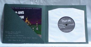 "The Strap-ons / Rickshaw - Split (7"" vinyl, booze004, limited version, cream green book edition, handnumbered, inside sleeve, 55 copies)"